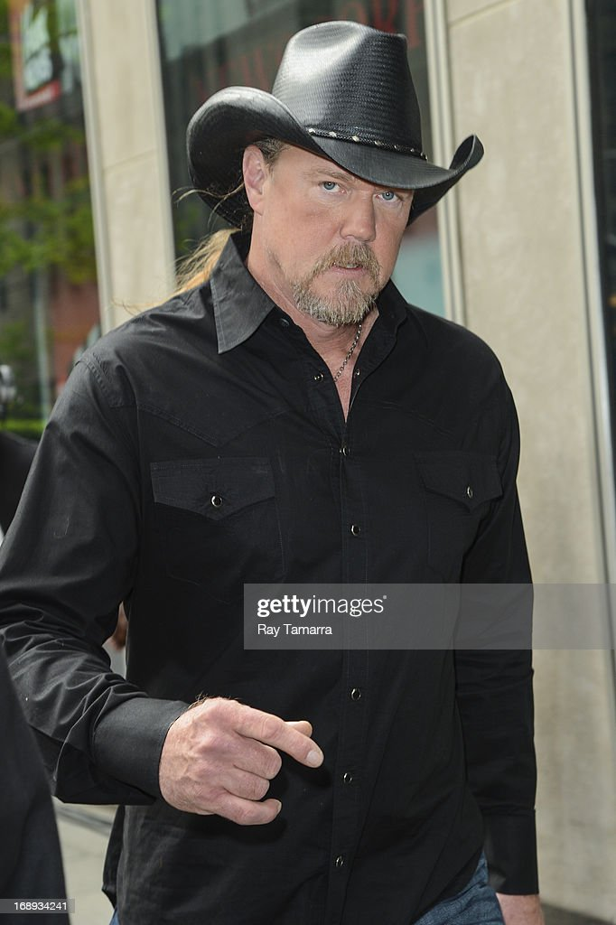 Singer Trace Adkins leaves the 'FOX & Friends' taping at the FOX Studios on May 17, 2013 in New York City.