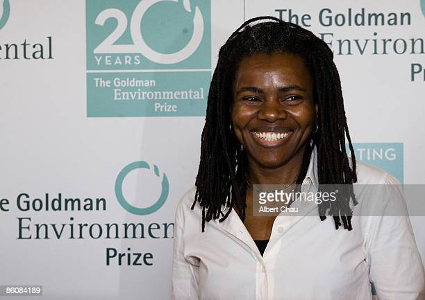 Singer Tracy Chapman arrives at the 2009 Goldman Environmental Prize Ceremony held at San Francisco War Memorial Opera House on April 20, 2009 in San...