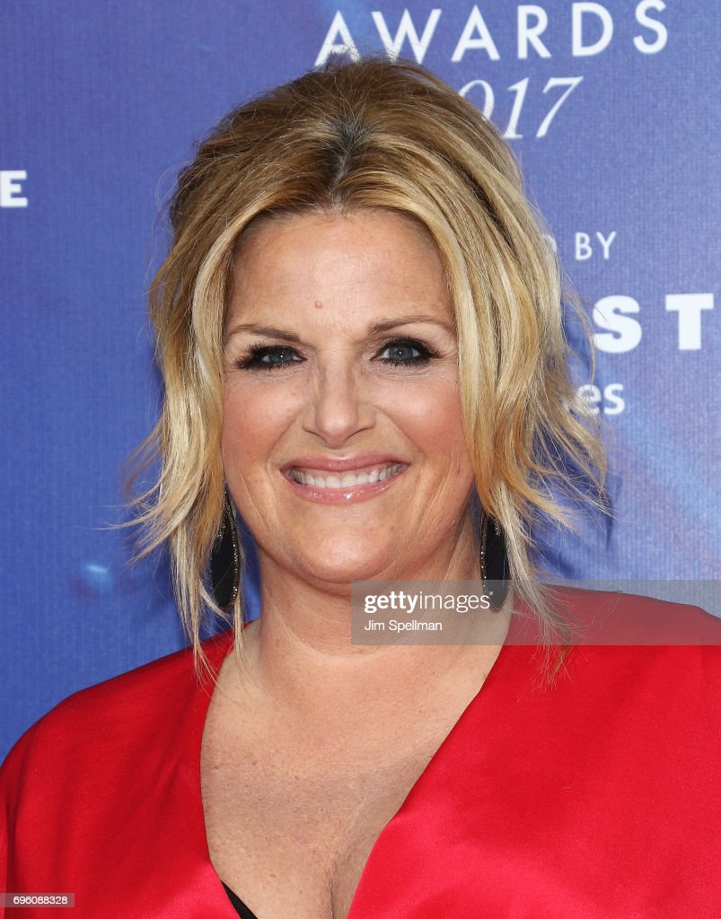 Singer Trisha Yearwood attends the 2017 Fragrance Foundation Awards at Alice Tully Hall, Lincoln Center on June 14, 2017 in New York City.