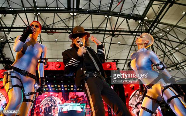 Singer Udo Lindenberg performs live during the opening night of the 'Keine Panik' tour at VeltinsArena on May 20 2016 in Gelsenkirchen Germany