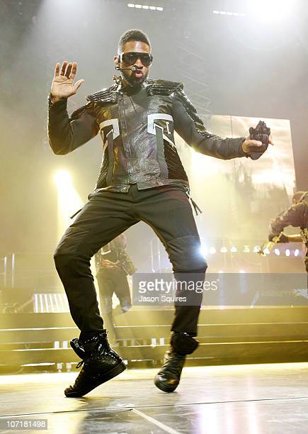 Singer Usher performs during the OMG Tour at Sprint Center on November 27 2010 in Kansas City Missouri