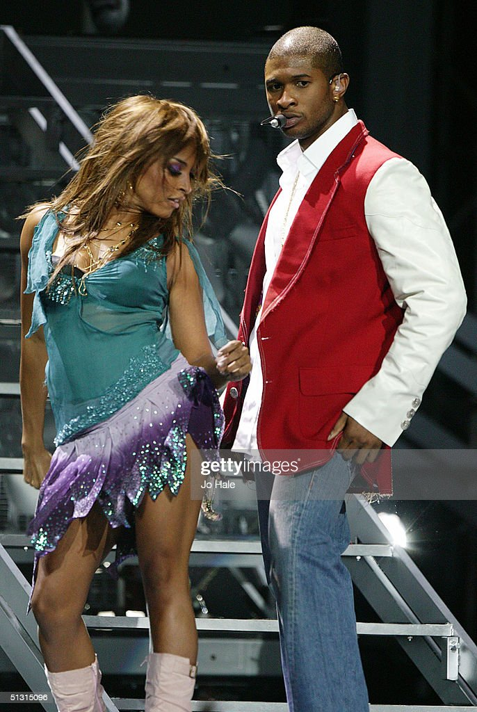 Singer Usher performs on stage at the 2004 World Music Awards at the Thomas & Mack Centre on September 15, 2004 in Las Vegas.