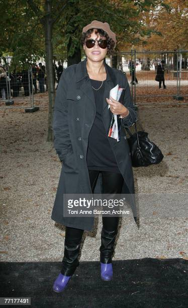 Singer Victor Lazlo arrives at the Christian Lacroix Fashion Show on October 3rd 2007 in Paris