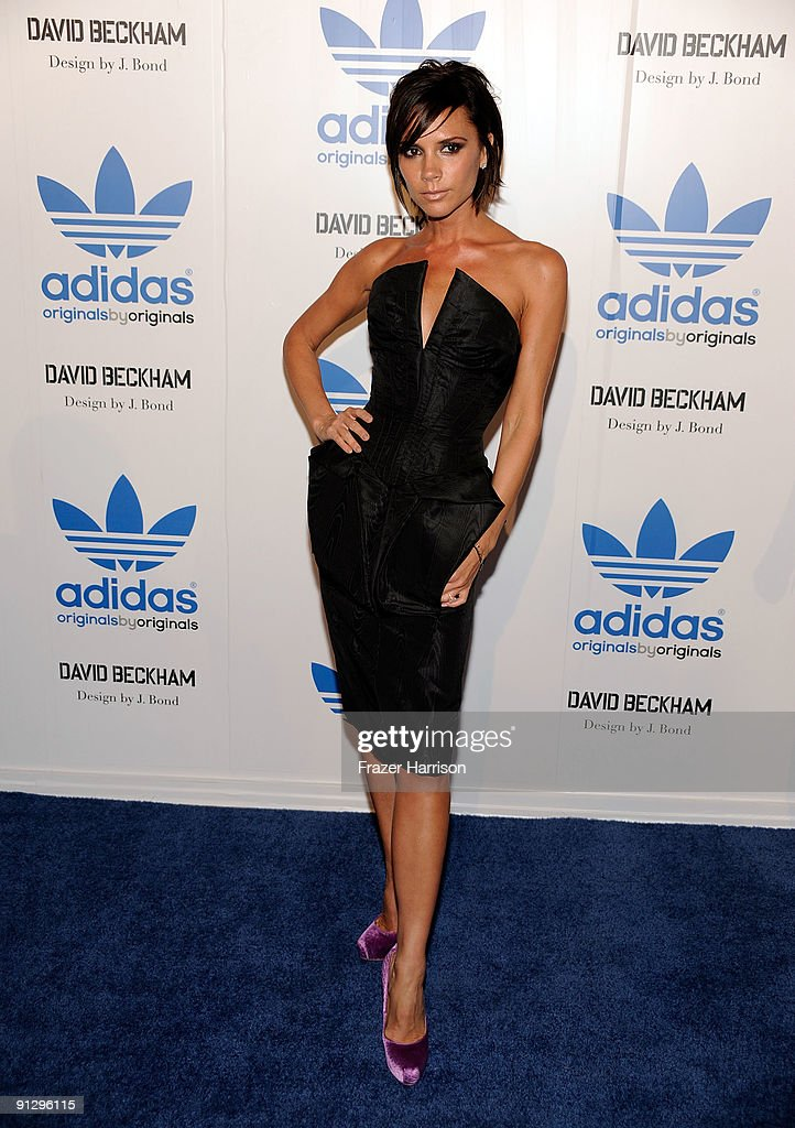 Típicamente Frontera Anticuado  Singer Victoria Beckham attends the adidas Originals By Originals... News  Photo - Getty Images