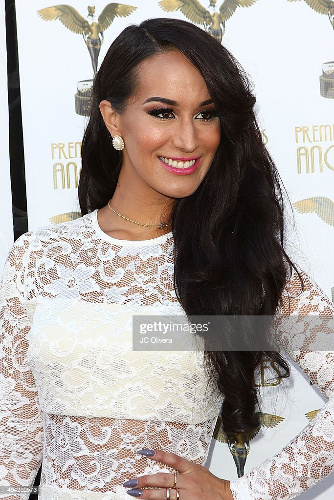 Singer Victoria Ortiz arrives at Premios Los Angeles 2014 at The Theatre at Ace Hotel Downtown LA on May 28, 2014 in Los Angeles, California.