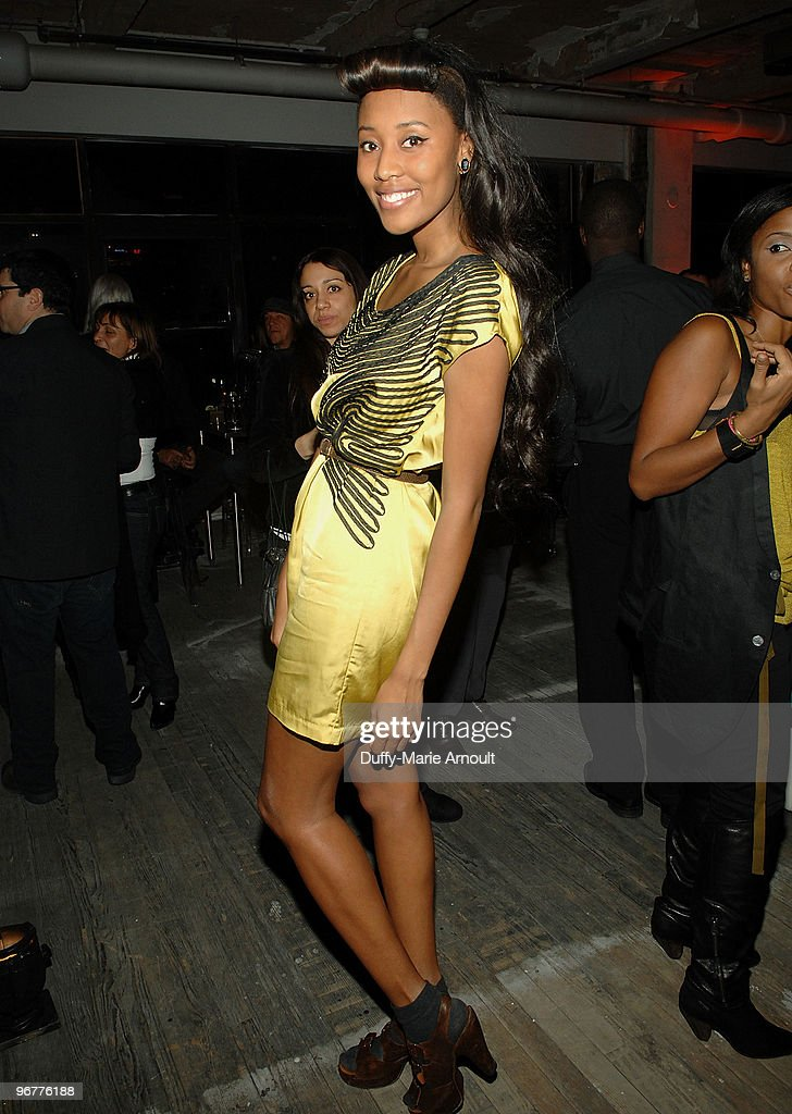 Singer VV Brown attends Diesel Black Gold Fall 2010 cocktail reception during Mercedes-Benz Fashion Week on February 16, 2010 in New York City.