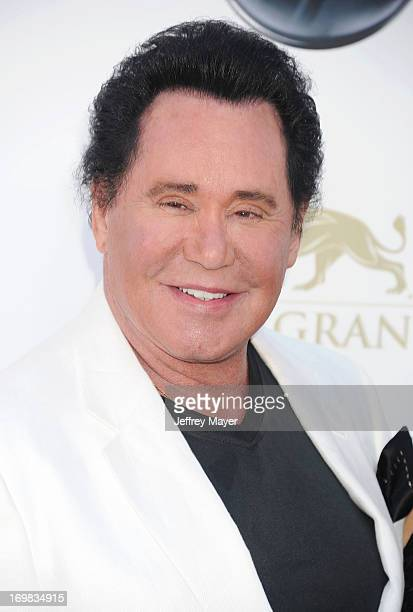 Singer Wayne Newton arrives at the 2013 Billboard Music Awards at the MGM Grand Garden Arena on May 19, 2013 in Las Vegas, Nevada.