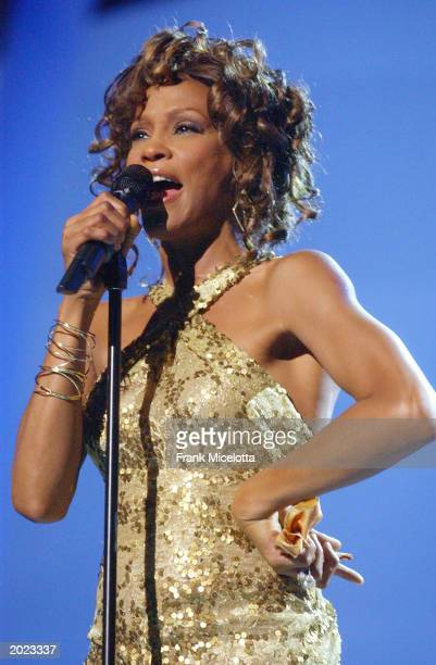 Singer Whitney Houston performs at the VH1 Divas Duets a concert to benefit the VH1 Save the Music Foundation held at the MGM Grand Garden Arena on...