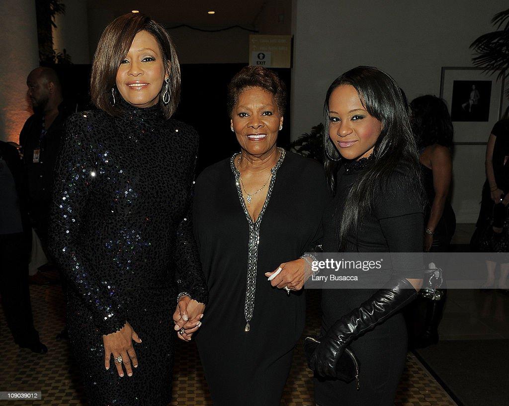 Dionne, Whitney And Bobbi Kristina : News Photo