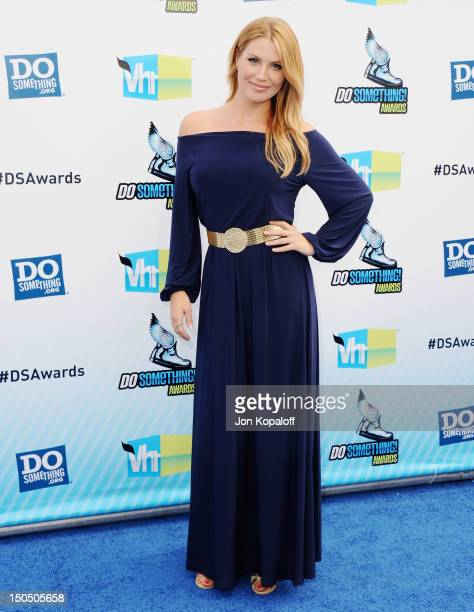 Singer Willa Ford arrives at the DoSomething.org And VH1's 2012 Do Something Awards at the Barker Hangar on August 19, 2012 in Santa Monica,...
