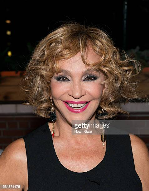 Yolandita Monge Stock Photos and Pictures | Getty Images | 478 x 612 jpeg 40kB