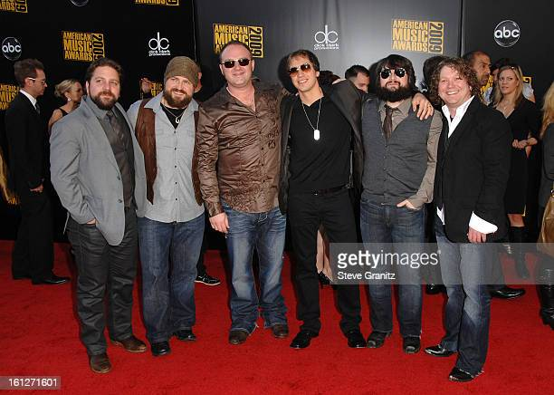 Singer Zac Brown and the Zac Brown Band arrives at the 2009 American Music Awards at Nokia Theatre LA Live on November 22 2009 in Los Angeles...
