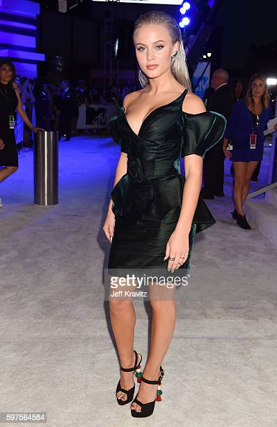 Singer Zara Larsson attends the 2016 MTV Video Music Awards at Madison Square Garden on August 28 2016 in New York City