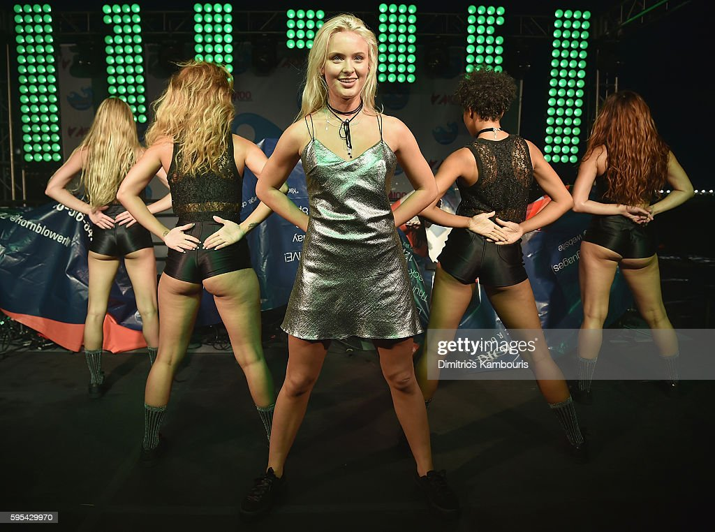 Singer Zara Larsson performs during Elvis Duran's End Of Summer Bash at Hornblower Cruises, Pier 15 on August 25, 2016 in New York City.
