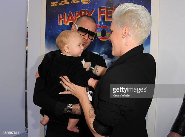 Singer/actress Alecia Beth Mooreaka Pink daughter Willow Sage Hart and Carey Hart attend the Premiere of Warner Bros Pictures' 'Happy Feet Two' at...