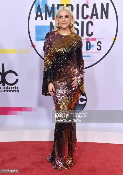 Singer/actress Ashlee Simpson arrives at the 2017 American Music Awards at Microsoft Theater on November 19 2017 in Los Angeles California