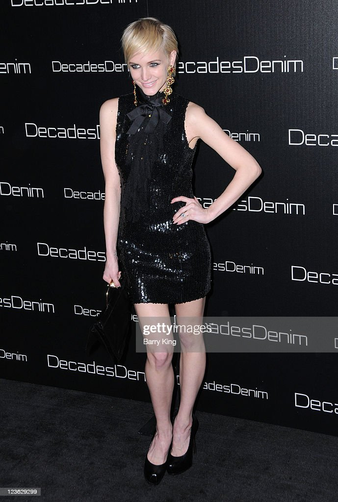 Singer/actress Ashlee Simpson-Wentz arrives at Decades Denim Launch Party at a private residence on November 2, 2010 in Beverly Hills, California.