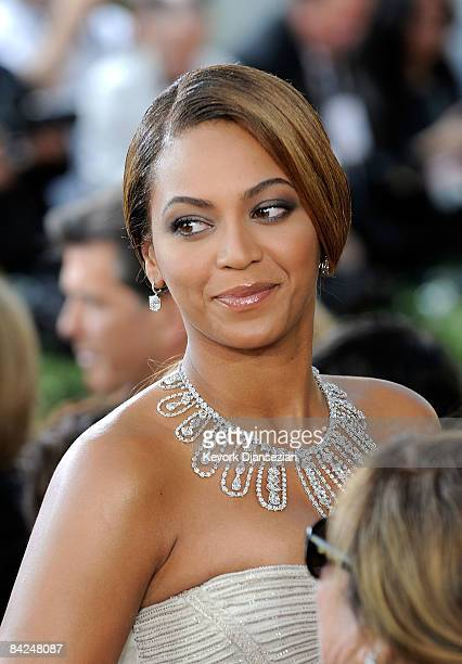 Singeractress Beyonce arrives at the 66th Annual Golden Globe Awards held at the Beverly Hilton Hotel on January 11 2009 in Beverly Hills California