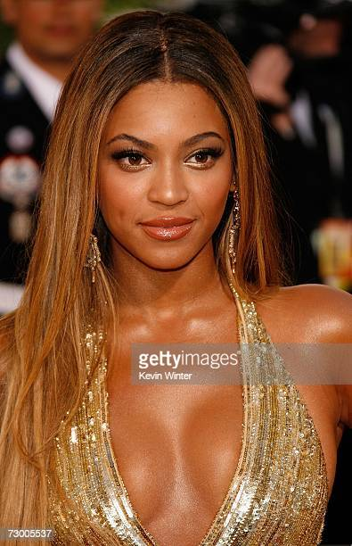 Singer/Actress Beyonce Knowles arrives at the 64th Annual Golden Globe Awards at the Beverly Hilton on January 15 2007 in Beverly Hills California