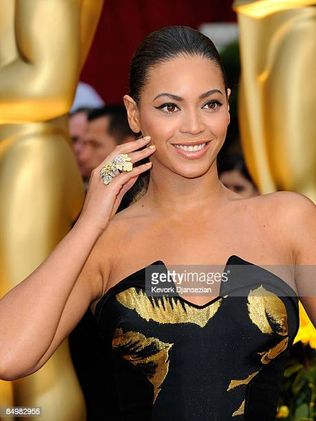 Singer/actress Beyonce Knowles arrives at the 81st Annual Academy Awards held at Kodak Theatre on February 22 2009 in Los Angeles California