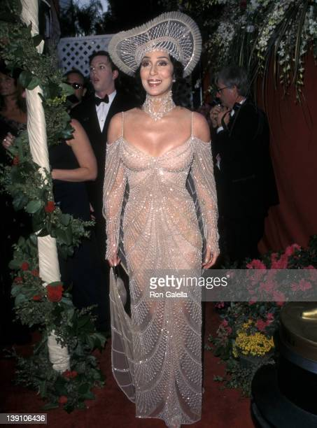 Singer/Actress Cher attends the 70th Annual Academy Awards on March 23, 1998 at Shrine Auditorium in Los Angeles, California.