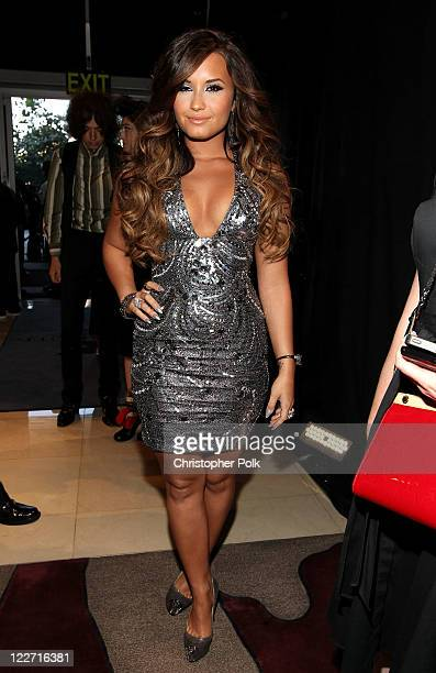 Singer/actress Demi Lovato arrives at the 2011 MTV Video Music Awards at Nokia Theatre LA LIVE on August 28 2011 in Los Angeles California