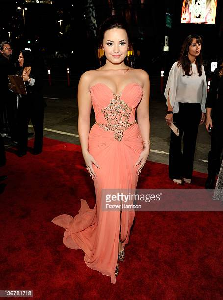 Singer/Actress Demi Lovato arrives at the 2012 People's Choice Awards at Nokia Theatre L.A. Live on January 11, 2012 in Los Angeles, California.