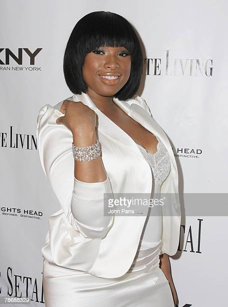 Singer/actress Jennifer Hudson arrives at the Setai Hotel during the New Year's Eve celebration on December 31 2007 in Miami Beach Florida