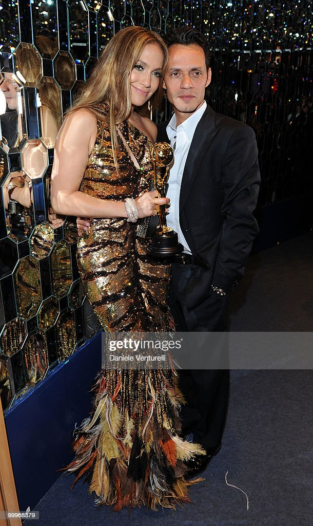 Singer/actress Jennifer Lopez (L) and Marc Anthony backstage during the World Music Awards 2010 at the Sporting Club on May 18, 2010 in Monte Carlo, Monaco.