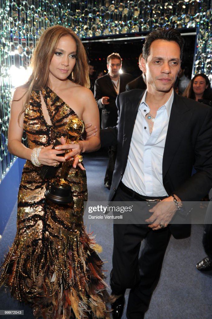 Singer/actress Jennifer Lopez (L) and Marc Anthony backstage during the World Music Awards 2010 at the Sporting Club on May 18, 2010 in Monte-Carlo, Monaco.