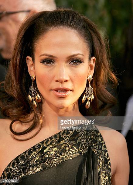 Singer/Actress Jennifer Lopez arrives at the 64th Annual Golden Globe Awards at the Beverly Hilton on January 15, 2007 in Beverly Hills, California.