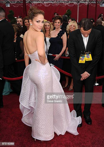 Singer/actress Jennifer Lopez arrives at the 82nd Annual Academy Awards held at the Kodak Theatre on March 7 2010 in Hollywood California