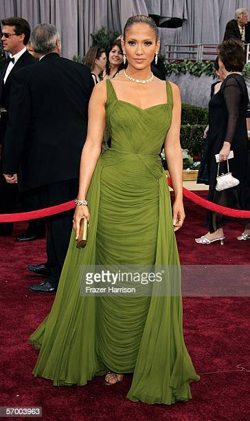 Singer/actress Jennifer Lopez arrives to the 78th Annual Academy Awards at the Kodak Theatre on March 5, 2006 in Hollywood, California.