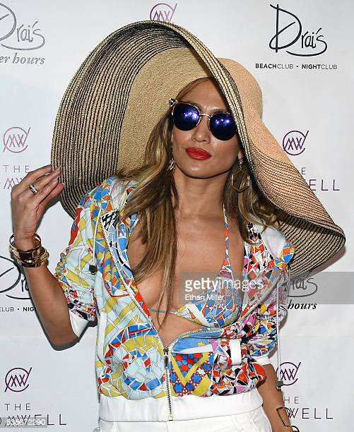 Singer/actress Jennifer Lopez hosts the 'Carnival Del Sol' pool party at Drai's Beach Club Nightclub at The Cromwell Las Vegas on May 29 2016 in Las...