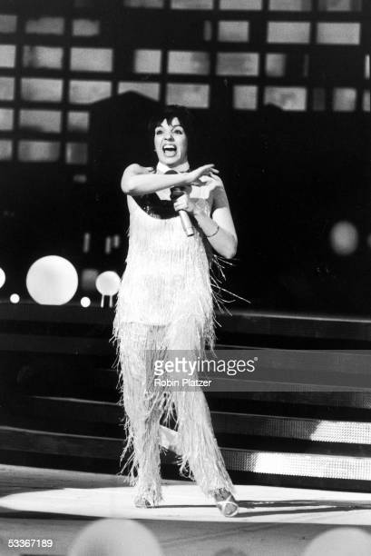 """Singer/actress Liza Minnelli performing at """"Night of 100 Stars"""" charity event."""