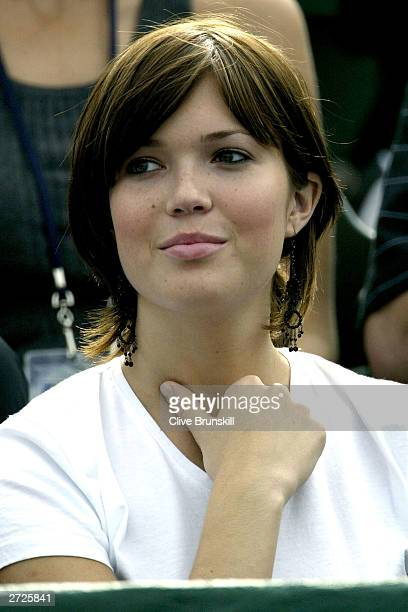 Singer/Actress Mandy Moore watches Andy Roddick play Rainer Schuettler of Germany during the Tennis Masters Cup November 13 2003 at the Westside...