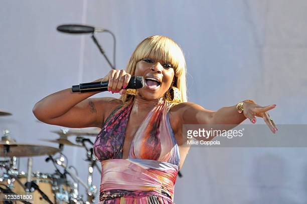 Singer/actress Mary J Blige performs on ABC's 'Good Morning America' at Rumsey Playfield Central Park on September 2 2011 in New York City