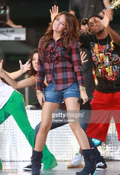 Singer/actress Miley Cyrus performs on ABC's Good Morning America on July 18 2008 at Bryant Park in New York