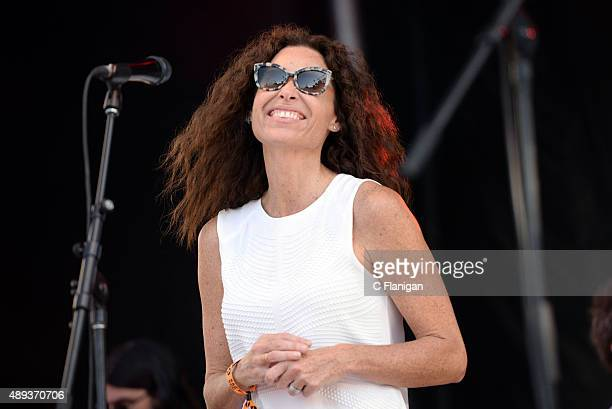Singer/actress Minnie Driver performs during 2015 KAABOO Del Mar at the Del Mar Fairgrounds on September 20, 2015 in Del Mar, California.