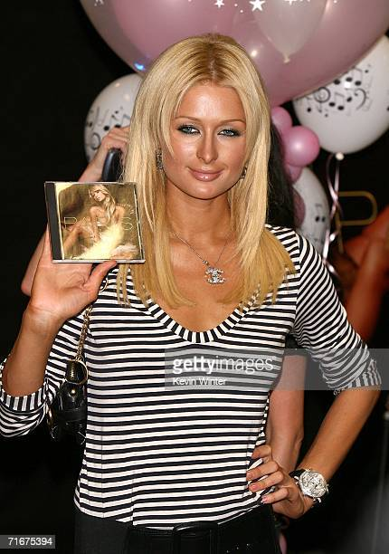 Singer/Actress Paris Hilton poses at the celebration of Paris Hilton's new album at Best Buy on August 18, 2006 in Los Angeles, California.