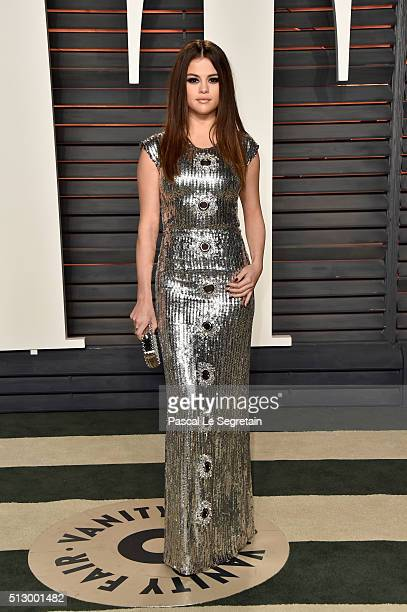 Singer/actress Selena Gomez attends the 2016 Vanity Fair Oscar Party Hosted By Graydon Carter at the Wallis Annenberg Center for the Performing Arts...
