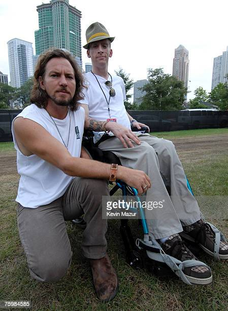 CHICAGO AUGUST 05 Singer/Guitarist Eddie Vedder of Pearl Jam and Tomas Young Iraq war vetran whose story is told in forthcoming Body of War...
