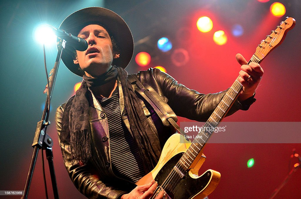 Singer/Guitarist Jakob Dylan performs with The Wallflowers at Sands Event Center on December 27, 2012 in Bethlehem, Pennsylvania.
