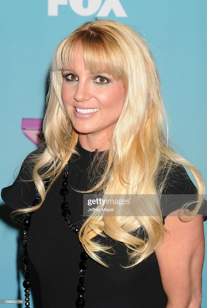 Singer/Judge Britney Spears arrives at Fox's 'The X Factor' Season Finale Night 1 at CBS Television City at CBS Studios on December 19, 2012 in Los Angeles, California.