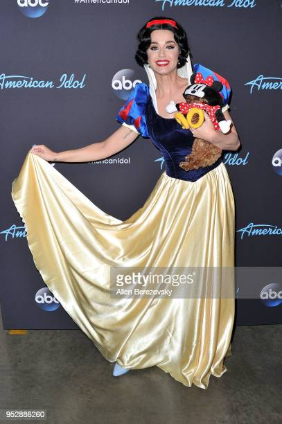 Singer/Judge Katy Perry and her dog Nugget arrive at ABC's American Idol show on April 29 2018 in Los Angeles California