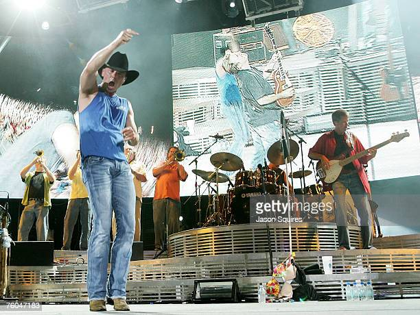 Singer/musician Kenny Chesney performs on his 'Flipflop Summer' tour at Verizon Wireless Amphitheater on August 9 2007 in Kansas City