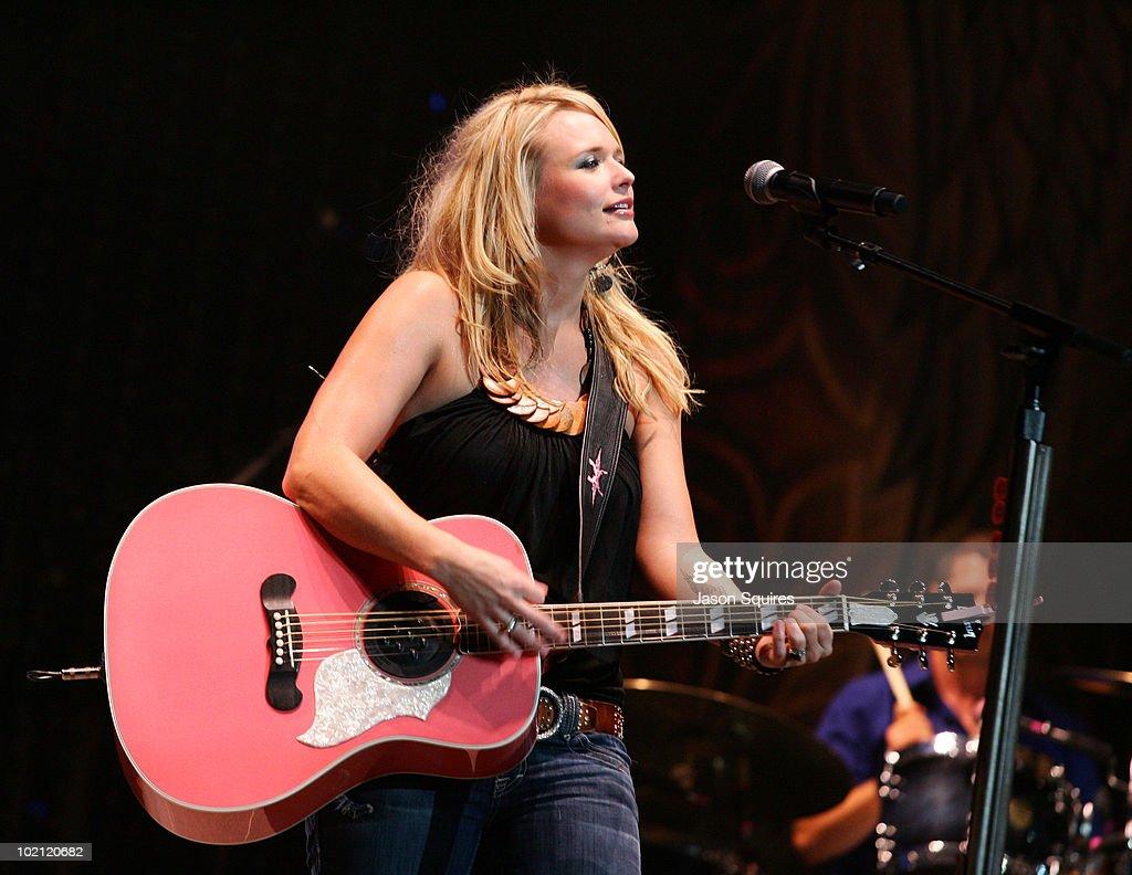 Singer/musician Miranda Lambert performs at the Sprint Center on May 9, 2009 in Kansas City, Missouri.