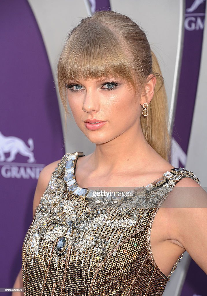 Singer/musician Taylor Swift arrives at the 48th Annual Academy of Country Music Awards at MGM Grand Garden Arena on April 7, 2013 in Las Vegas, Nevada.