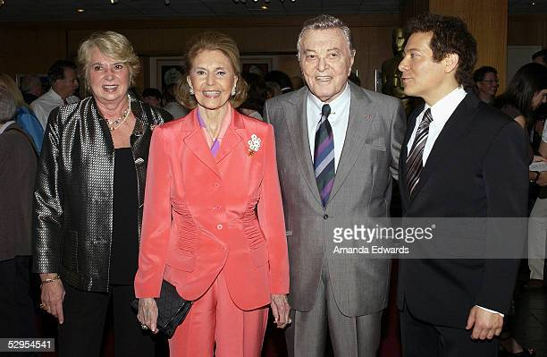 Singerpianist Michael Feinstein Tony Martin Cyd Charisse and Rita Arlen arrive at the AMPAS Centennial Tribute to composer Harold Arlen at the...