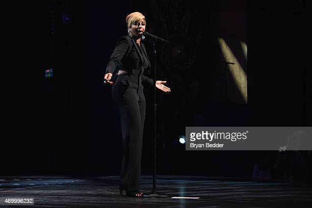 Singer/producer Mary J Blige performs onstage during the Tribeca Film Festival Red Carpet world premiere documentary Mary J Blige The London Sessions...